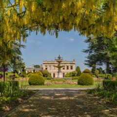 3rd Place - Laburnum-Arch-Brodsworth-Hall-Gardens_by_Angela-Crutchley-Rhodes